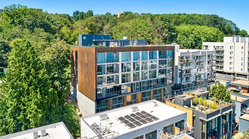1622 Aurora Ave N Property Photo - Seattle, WA real estate listing