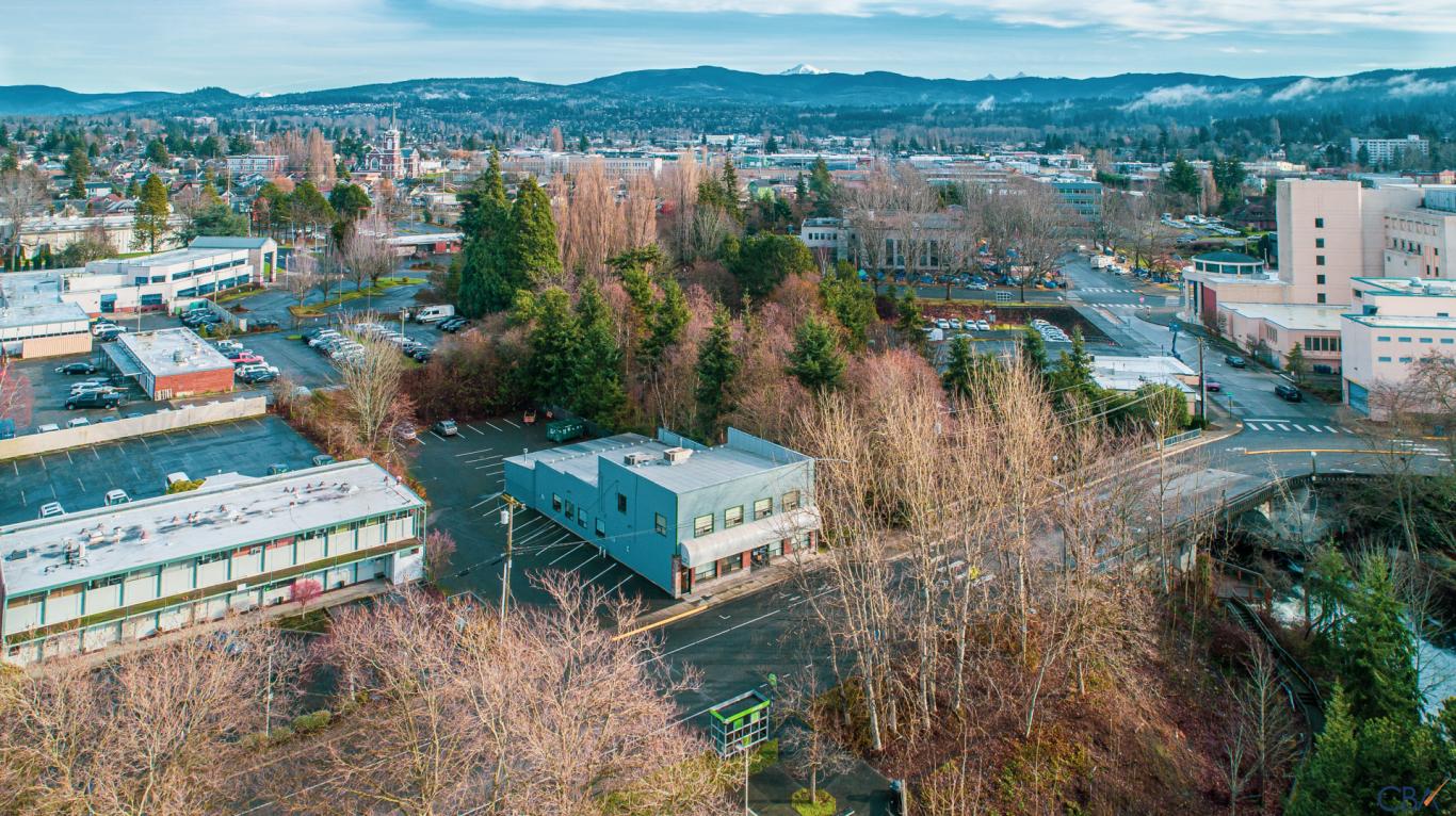 600 Dupont St Property Photo
