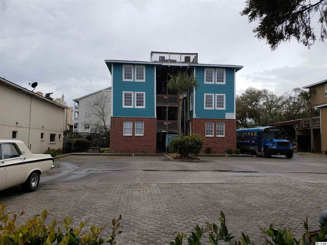 211-213-215 1st Ave. S Property Photo 4