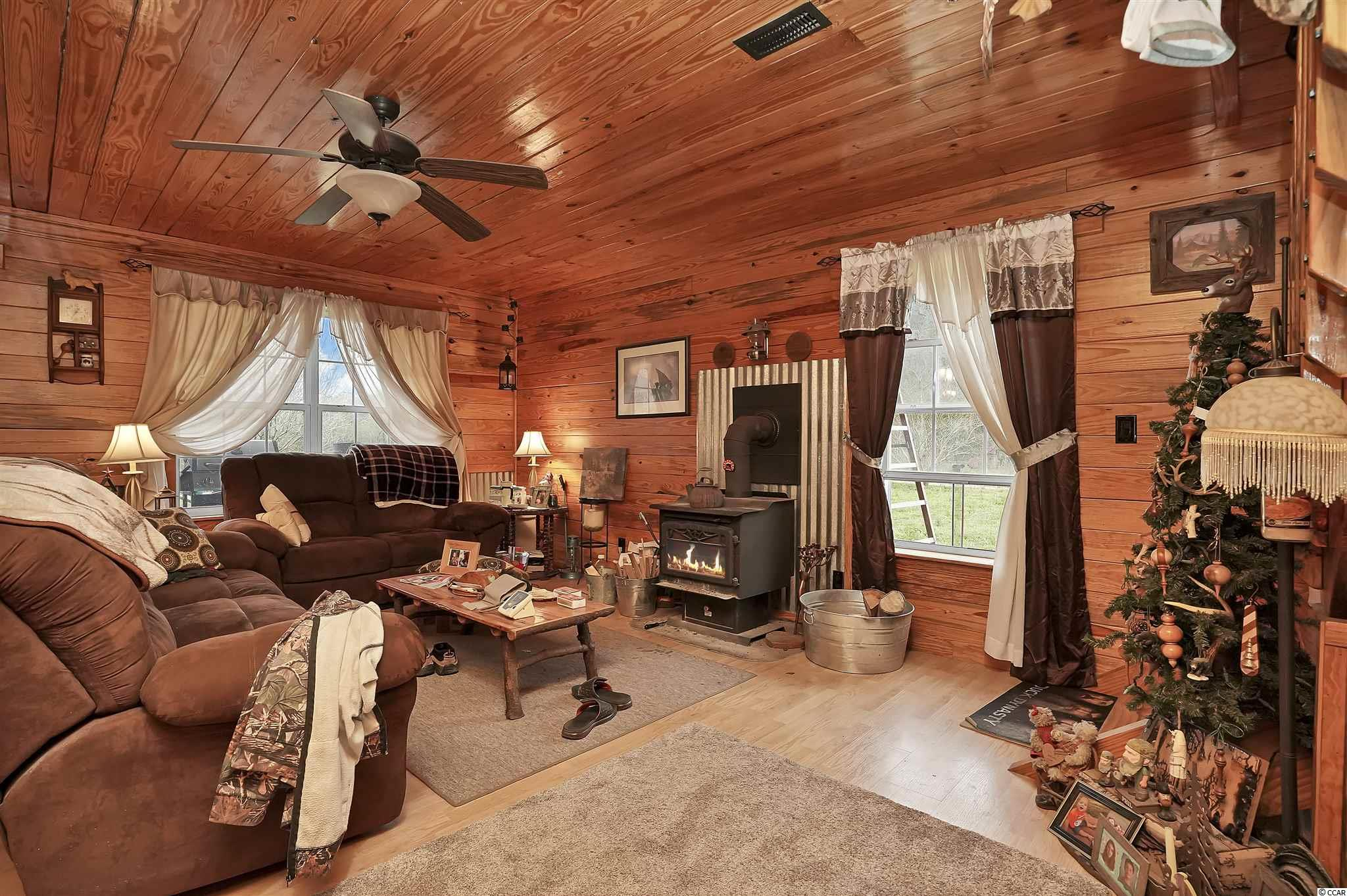 5728 Chester Ln. Property Photo 8