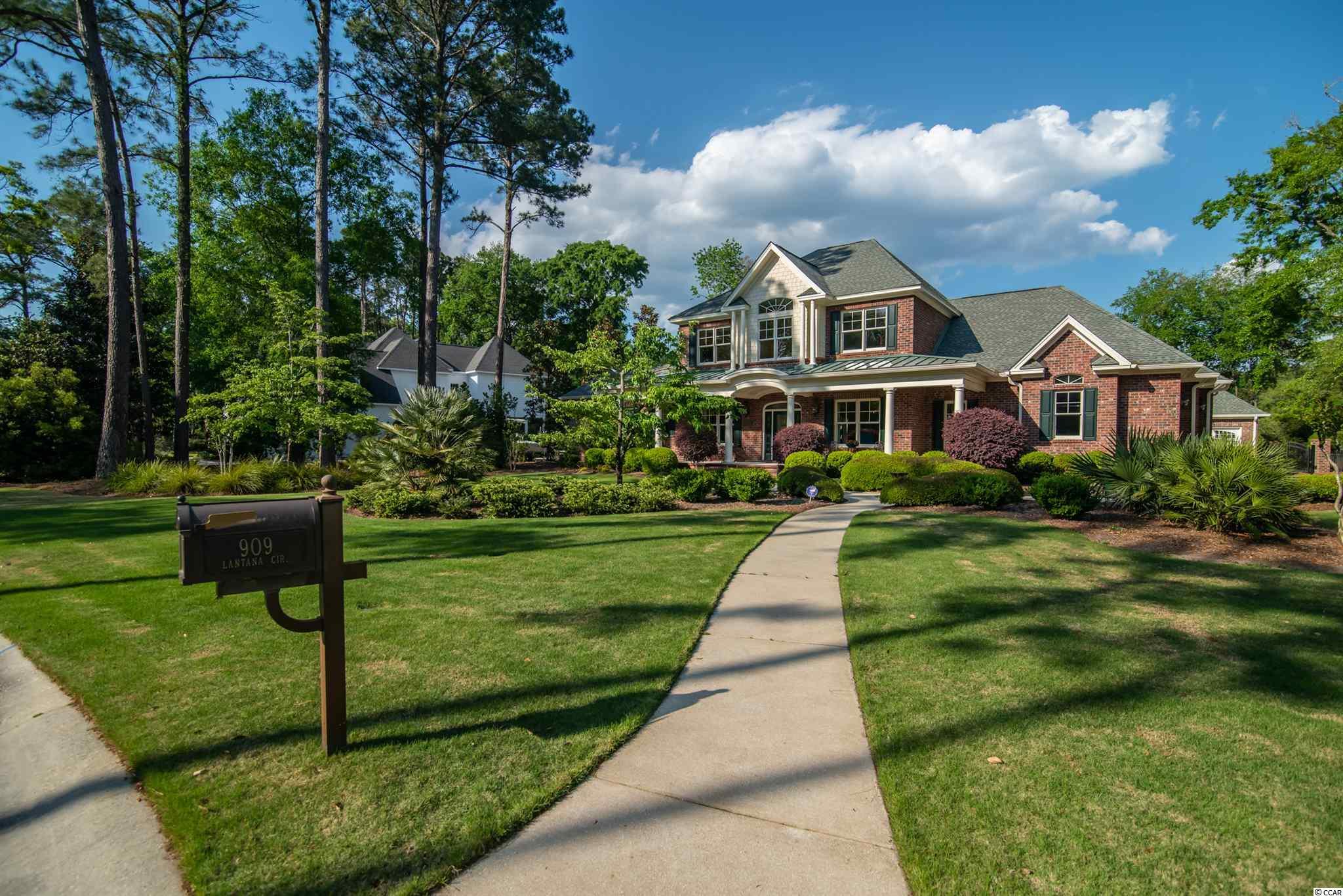 909 Lantana Circle Property Photo 1