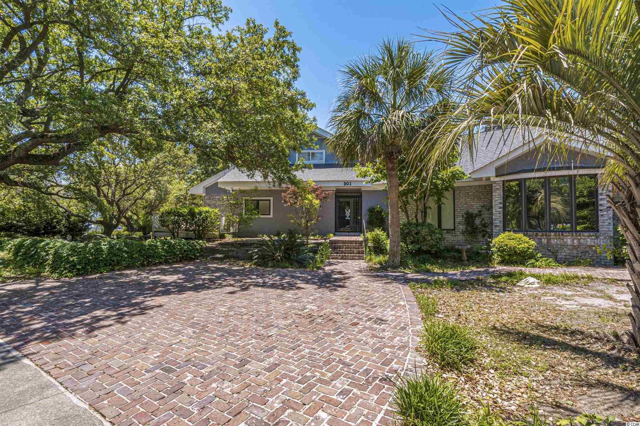 301 21st Ave. S Property Photo 1