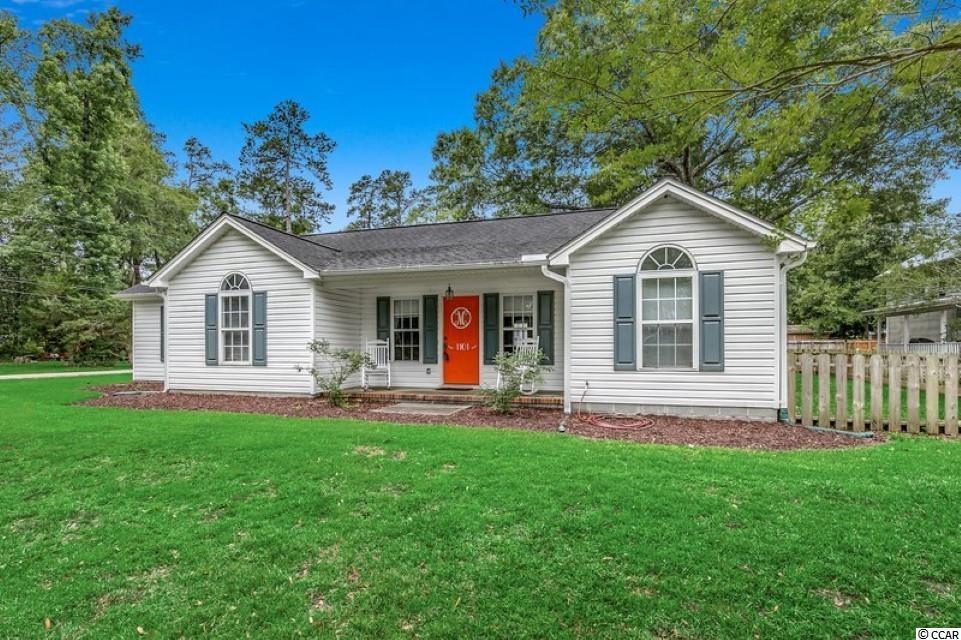 1101 Oak St. Property Photo 1