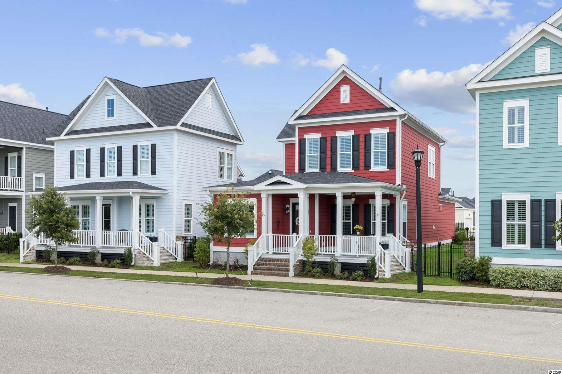 935 Iris St. Property Photo 1