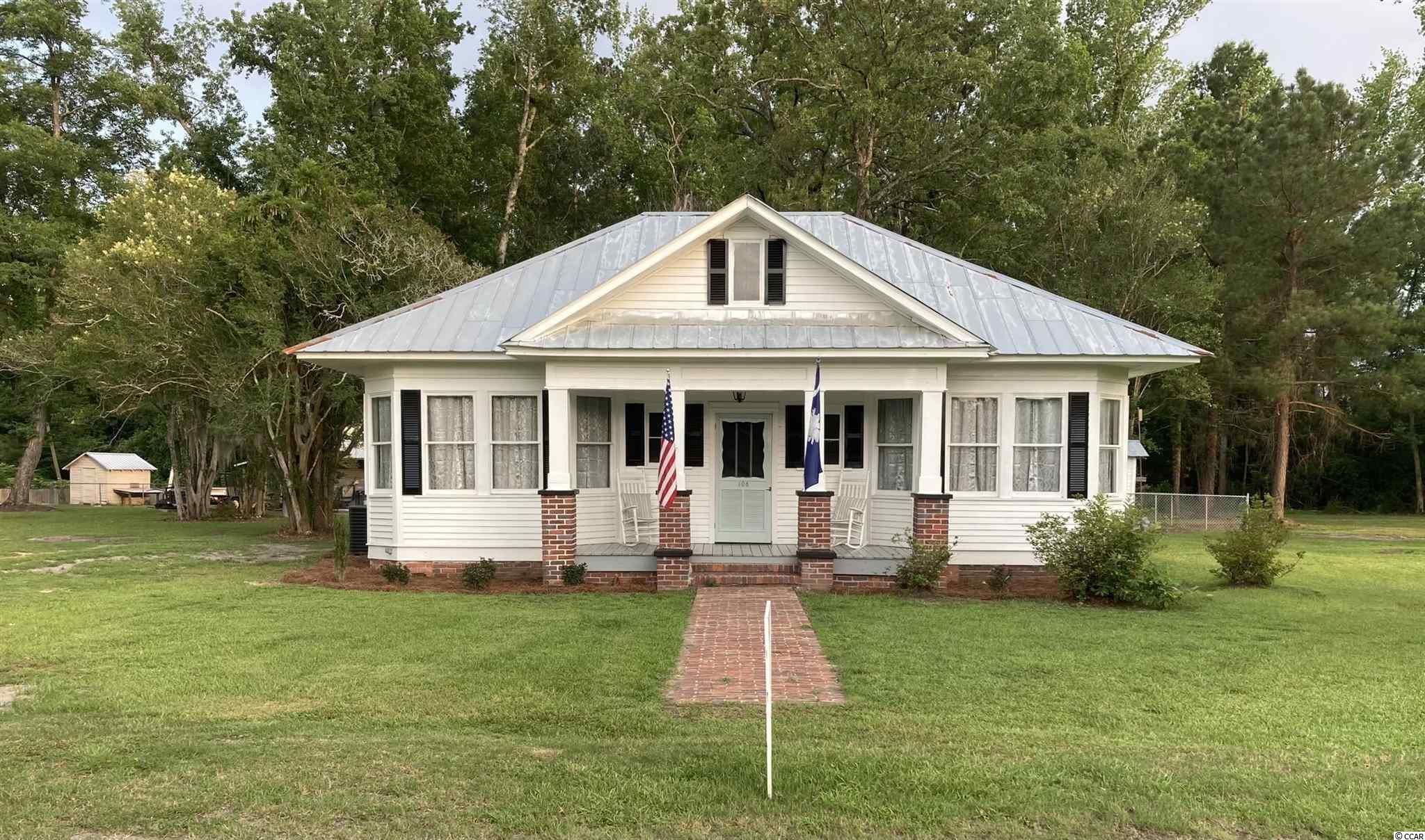 108 E County Line Rd. Property Photo