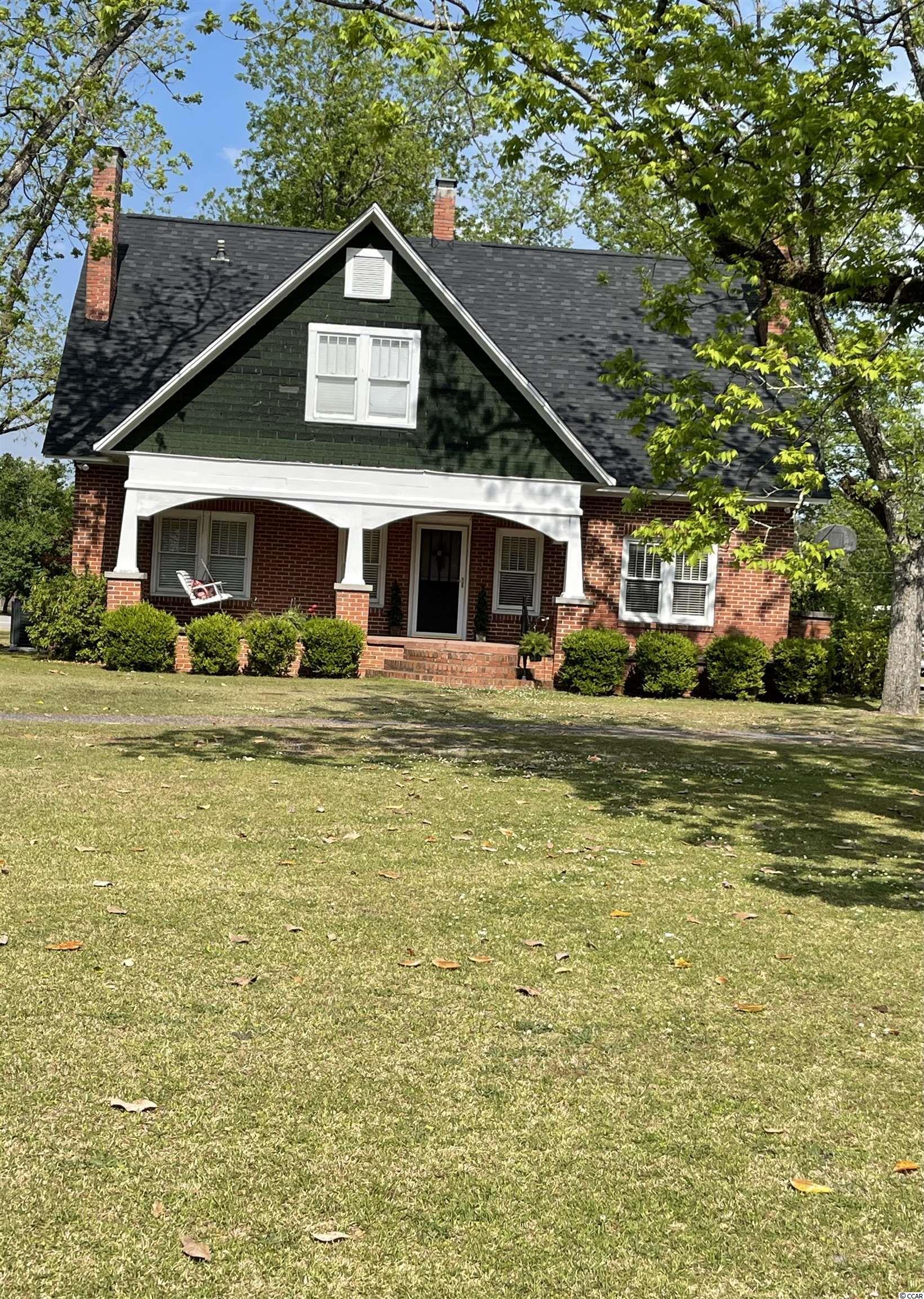 930 N Main St. Property Photo 1