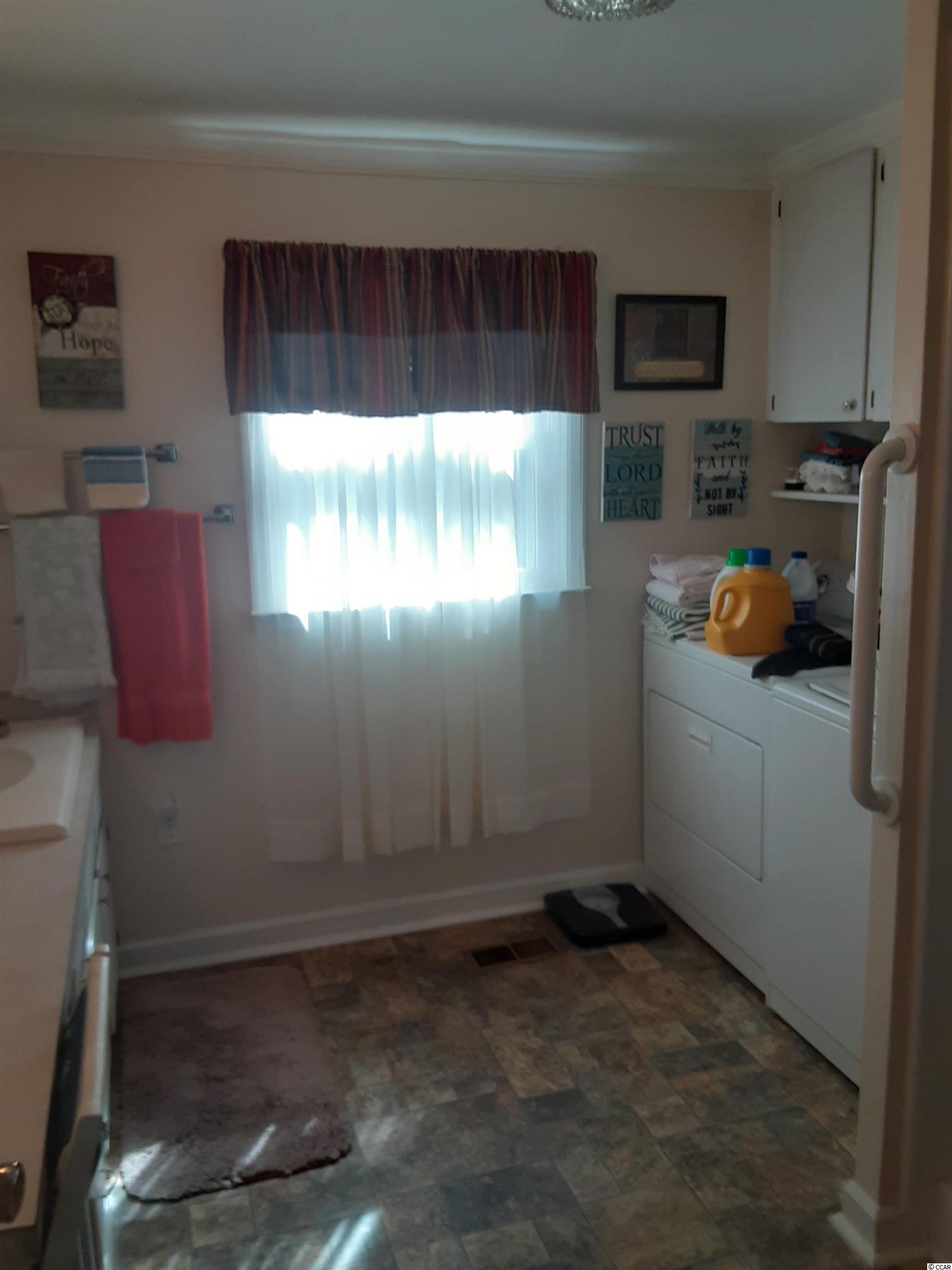 421 Glenwood St. Property Photo 18