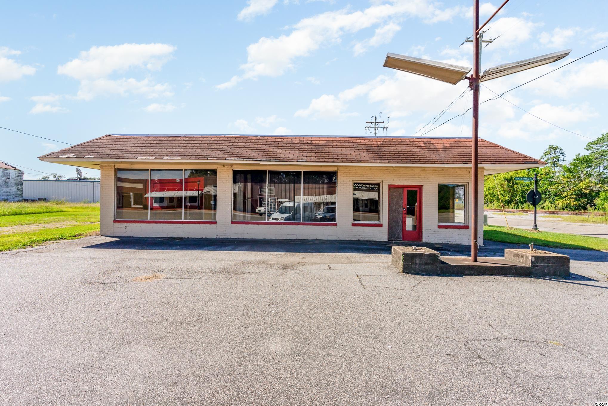 118 Sw Broad St. Property Photo