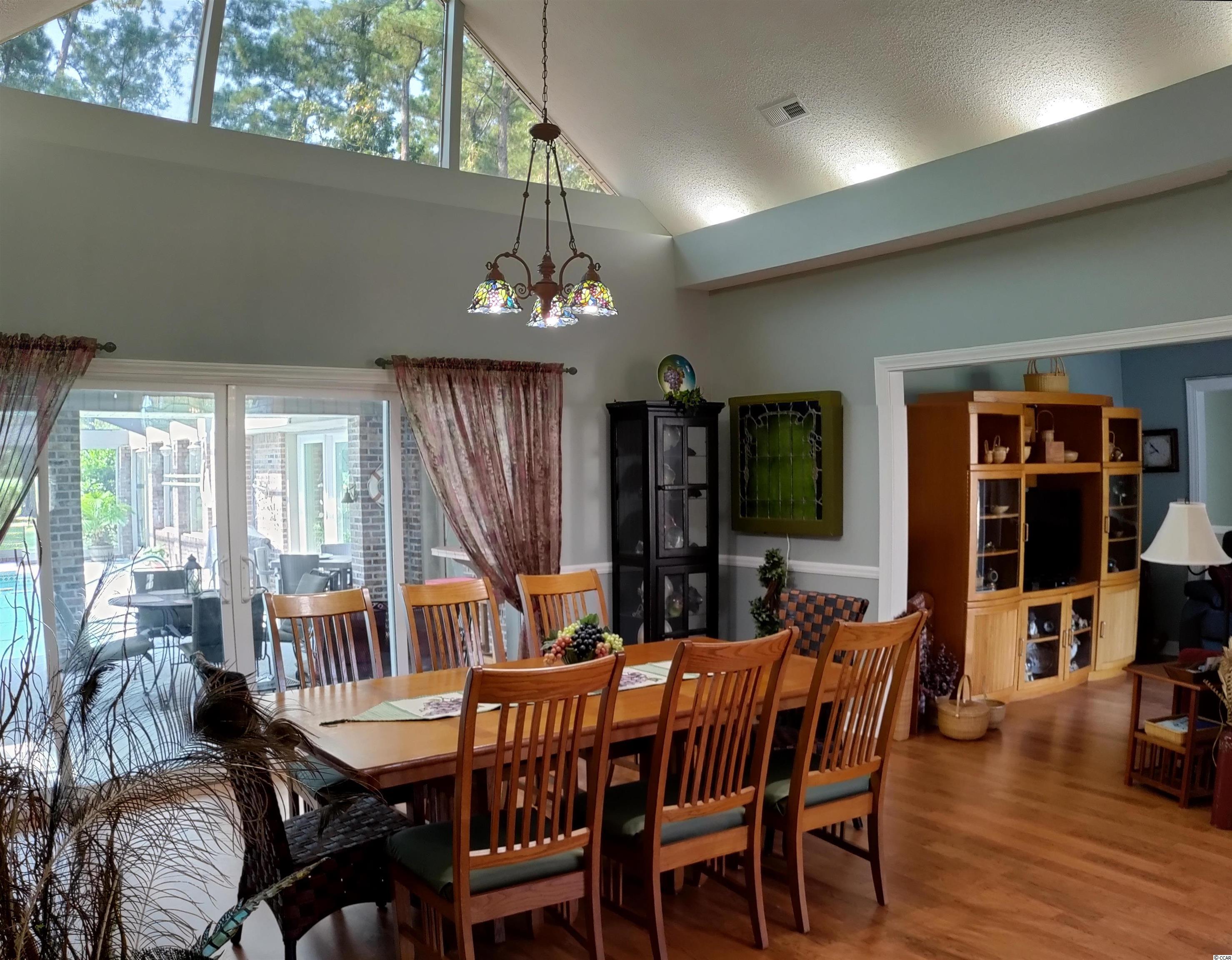 3800 River Hills Dr. Property Photo 4