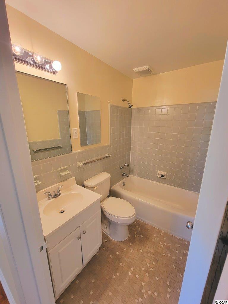 761 Walnut Ave. Property Photo 16