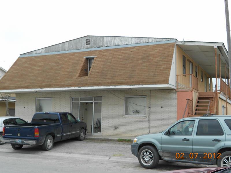107 N Elm Street Property Photo - Hebbronville, TX real estate listing
