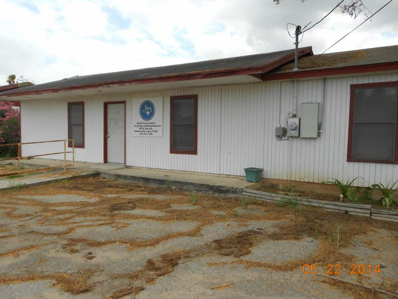 202 N Elm Street Property Photo - Hebbronville, TX real estate listing