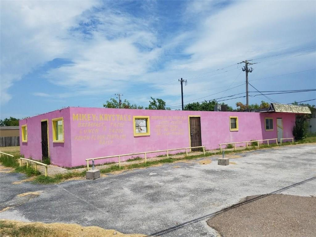 103 N Commercial Street Property Photo
