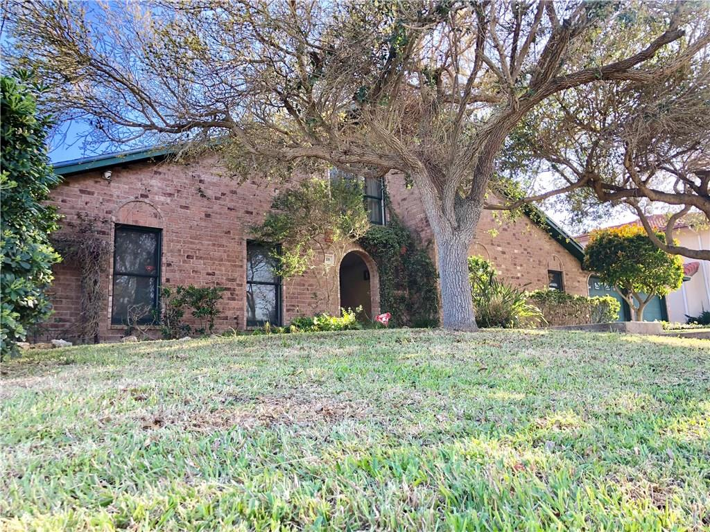 208 Shore Drive Property Photo - Portland, TX real estate listing