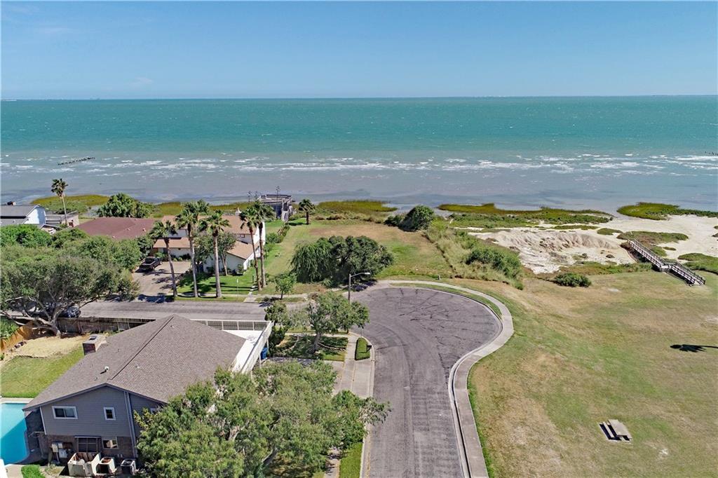 101 Shorecliff Drive Property Photo