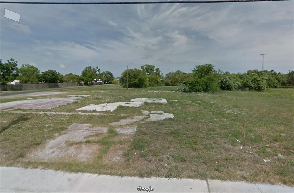 905 Waldron Property Photo