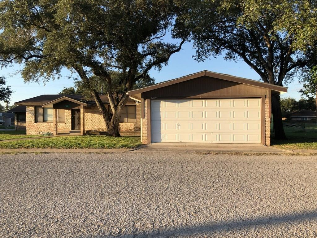502 E Humble Street Property Photo - Freer, TX real estate listing