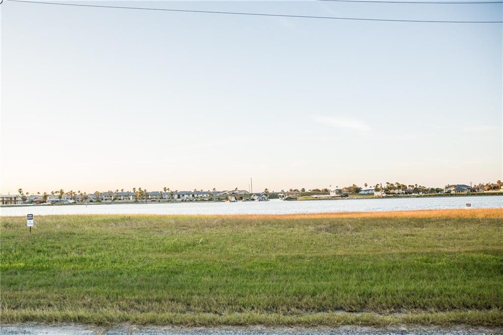 27 Riviera Drive Property Photo