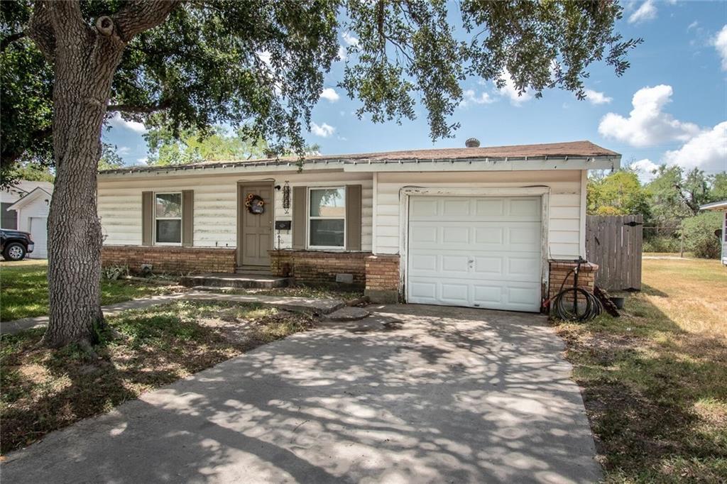920 E Lewis Street Property Photo