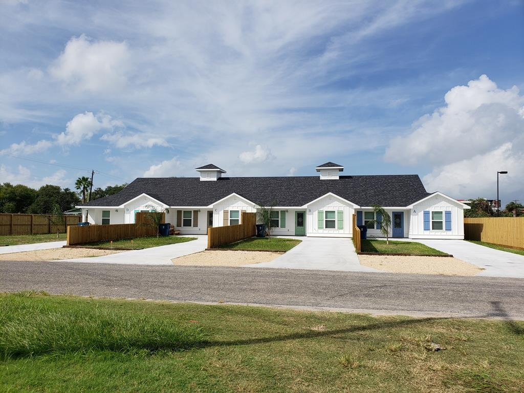 809 Palmetto Avenue Property Photo - Rockport, TX real estate listing