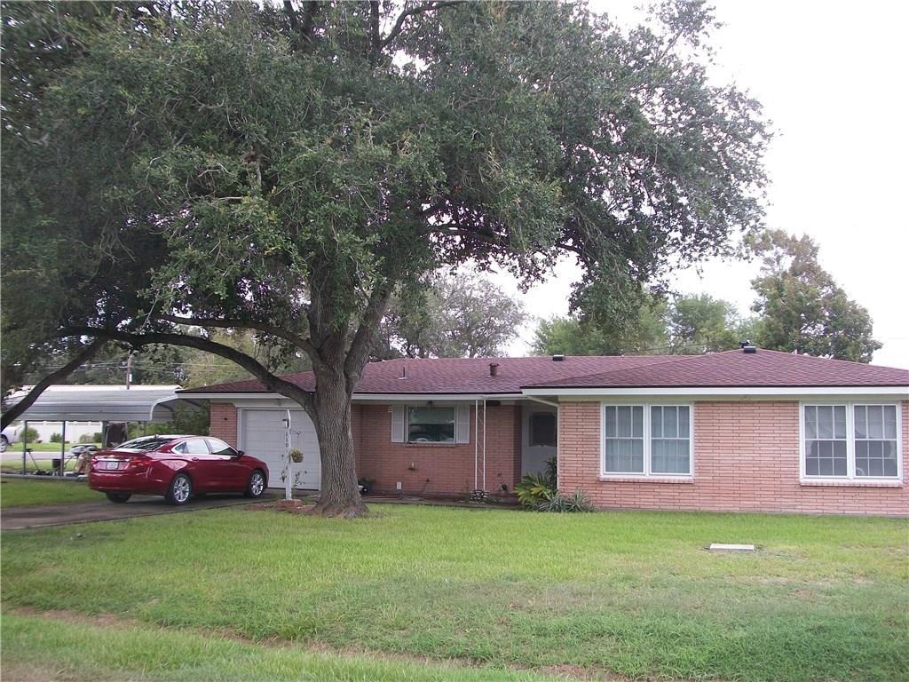 1101 Johnson Street Property Photo - Woodsboro, TX real estate listing