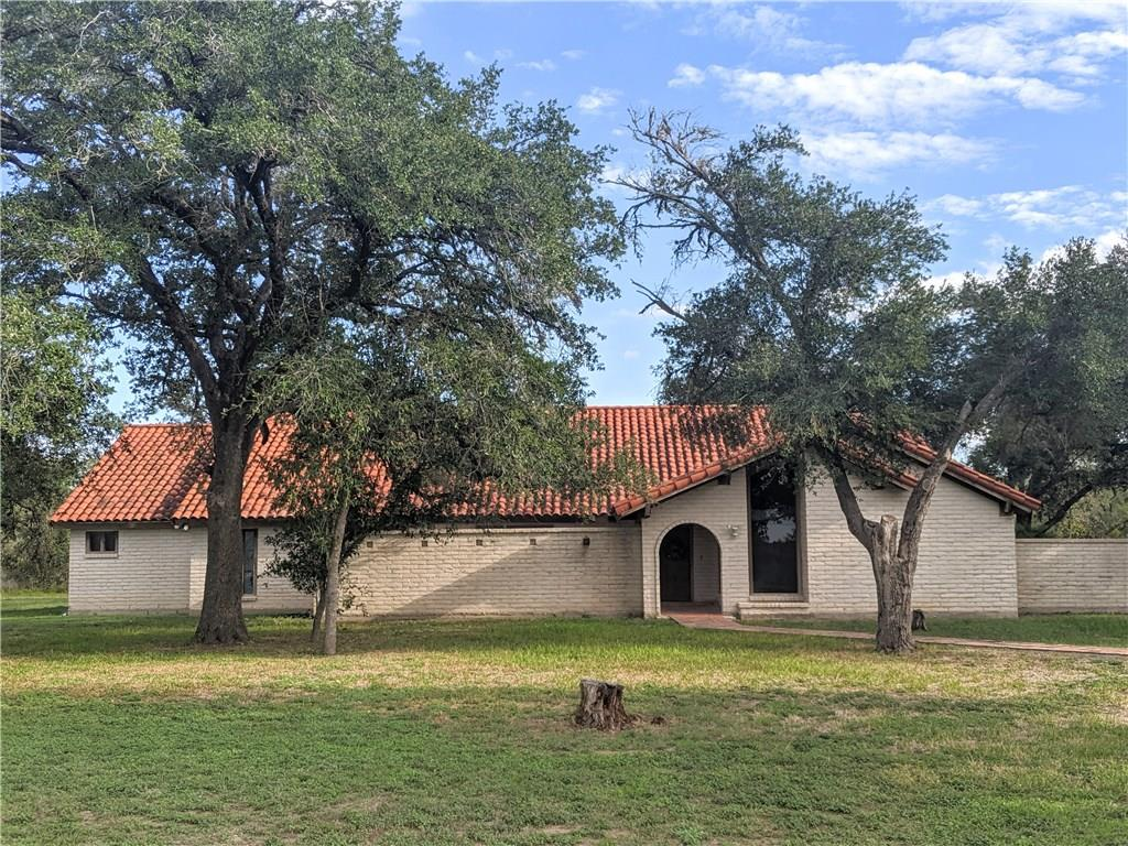 130 County Road 359 Property Photo - George West, TX real estate listing
