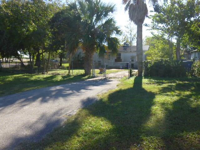 526 E Baylor Property Photo