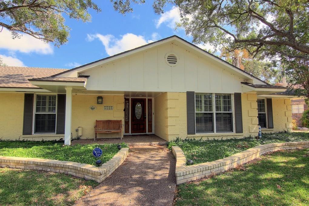 4941 Greenbriar Drive Property Photo - Corpus Christi, TX real estate listing