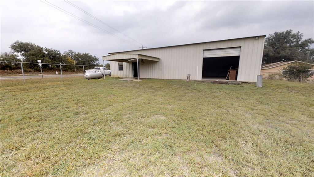 1823 FM 673 Property Photo - Beeville, TX real estate listing