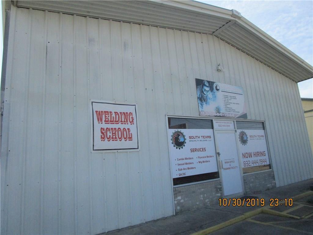 2792 Main Street Property Photo