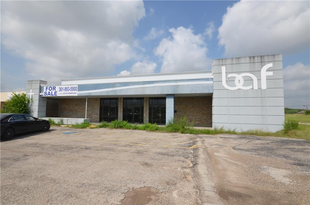 1823 N Frontage Road Property Photo - Beeville, TX real estate listing