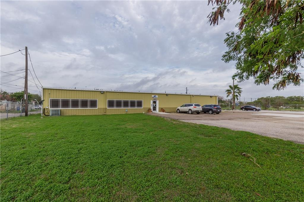 917 S Staples Street Property Photo - Corpus Christi, TX real estate listing