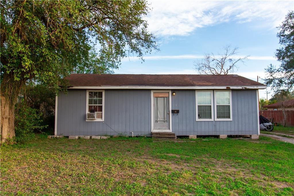 213 S Atascosa Street Property Photo
