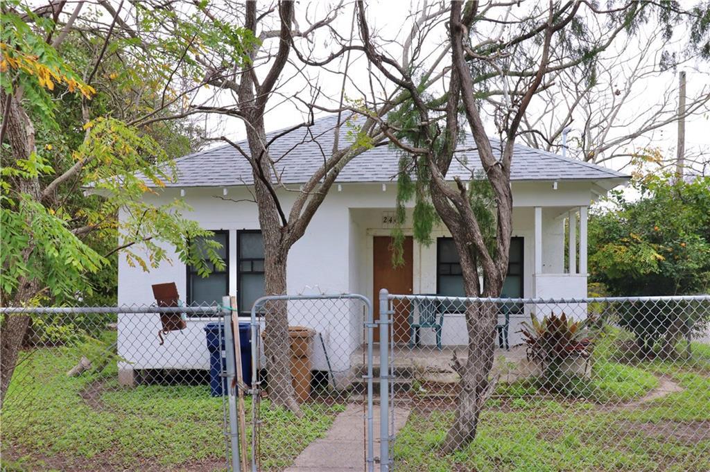 2407 Mary Street Property Photo