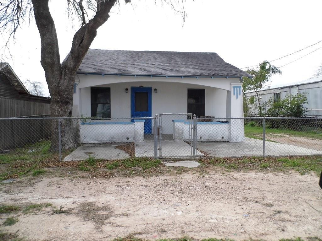 607 E North Street Property Photo - Hebbronville, TX real estate listing