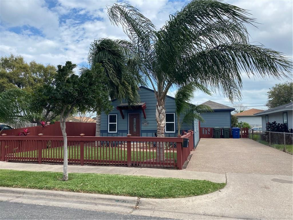 4518 Elvira Drive Property Photo - Corpus Christi, TX real estate listing