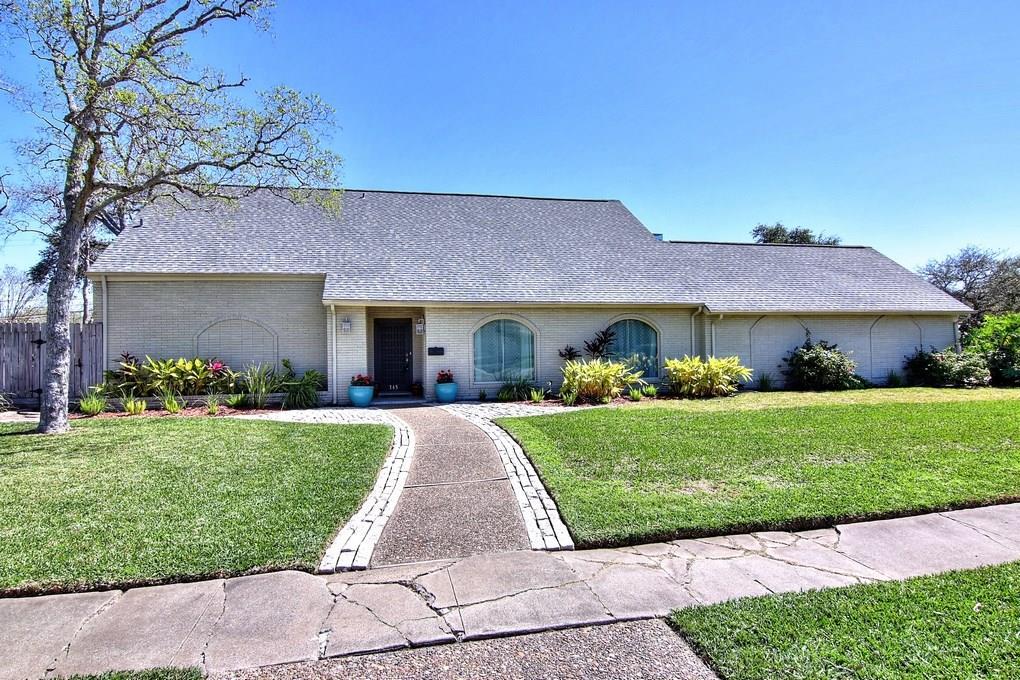 345 Cape Hatteras Drive Property Photo
