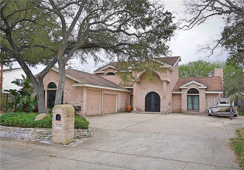 6109 Lost Creek Drive Property Photo - Corpus Christi, TX real estate listing