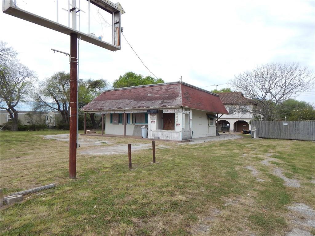 5842 Leopard Street Property Photo
