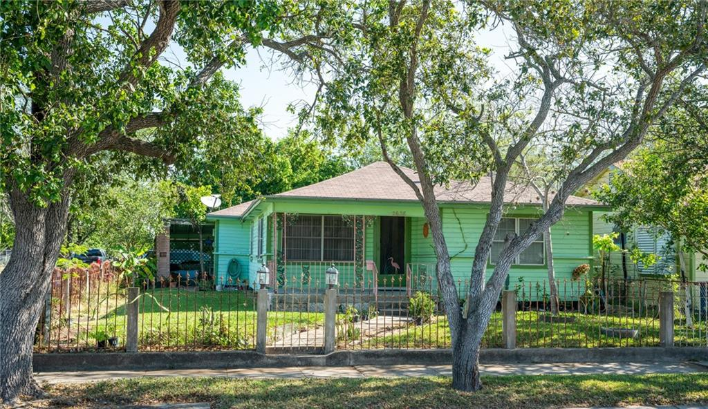 2638 Soledad Street Property Photo - Corpus Christi, TX real estate listing