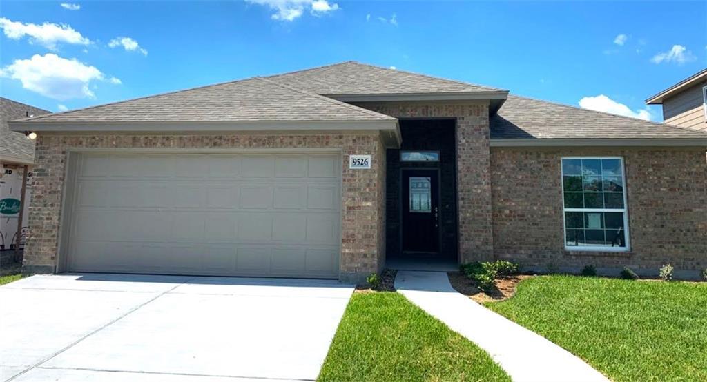 9526 English Oak Property Photo