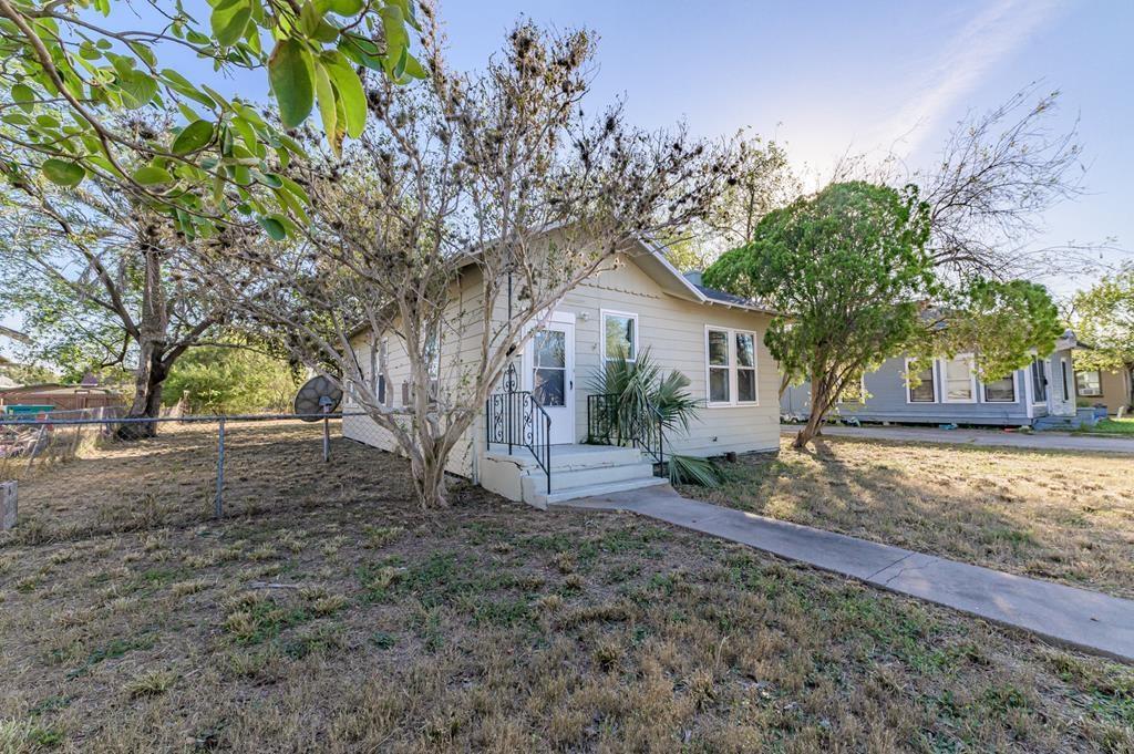 317 E Warren Avenue Property Photo