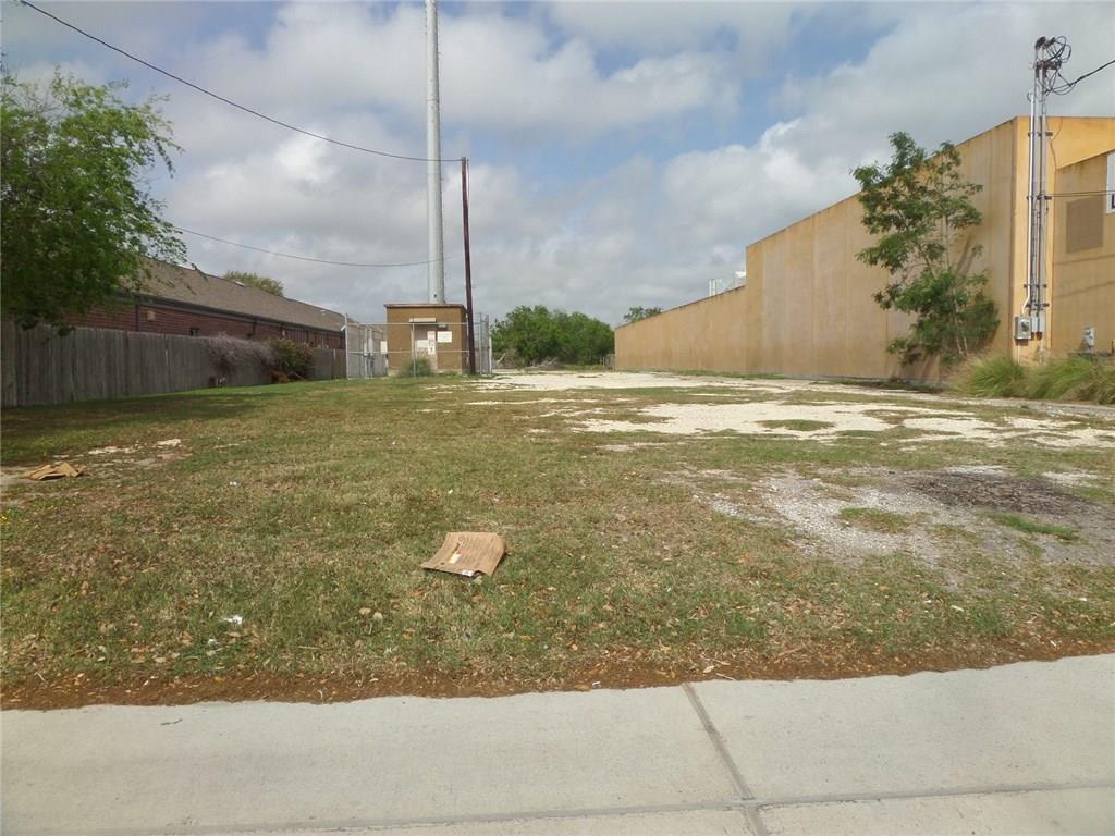 5521 S Staples Street Property Photo