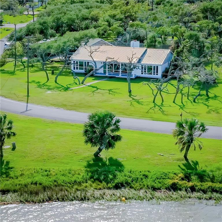 102 Lamar Beach Rd Property Photo