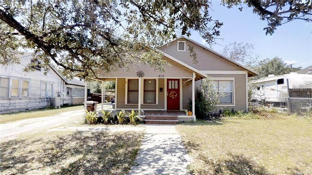 415 E Huisache Avenue Property Photo - Kingsville, TX real estate listing