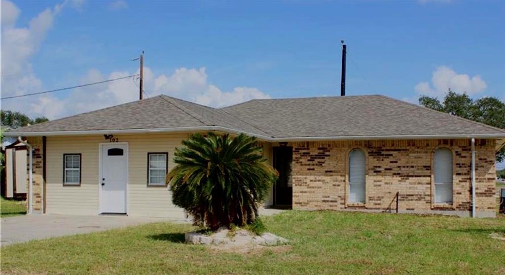 102 Spoonbill Avenue Property Photo