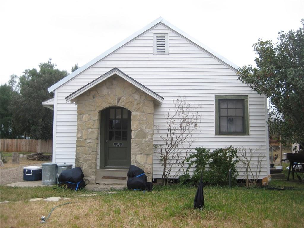 308 Leroy Property Photo - Three Rivers, TX real estate listing