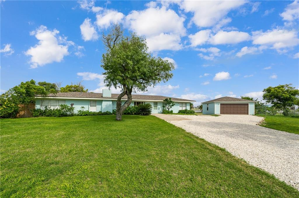 446 Copano Ridge Road Property Photo - Rockport, TX real estate listing