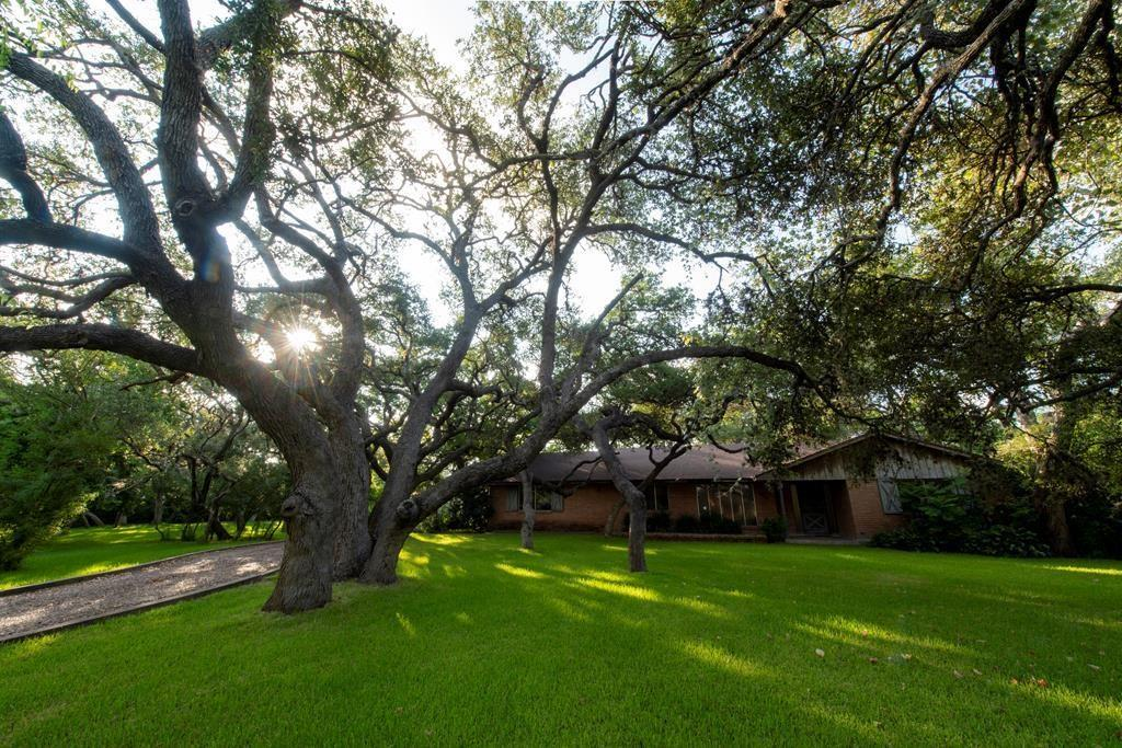 2712 Big Oak Property Photo - Ingleside, TX real estate listing