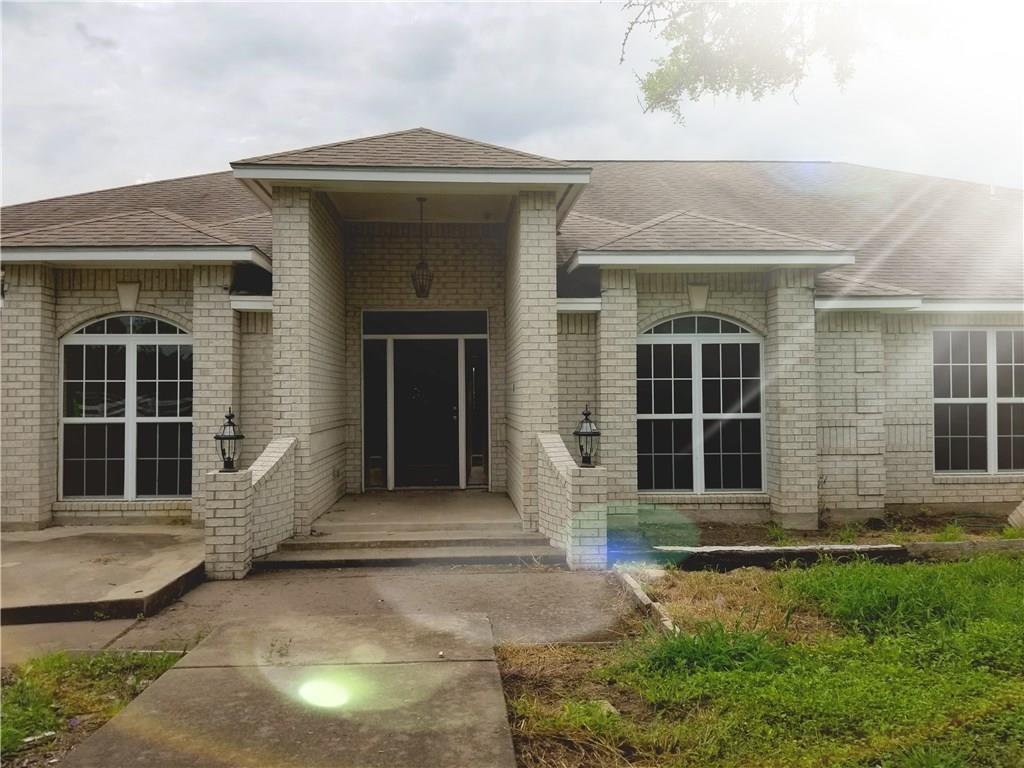 6133 Oak Hill Circle Property Photo